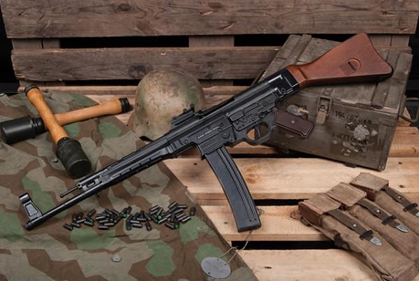 GSG StGw 44 Schreckschuss Sturmgewehr cal. 9 mm P.A.K. Schwarz